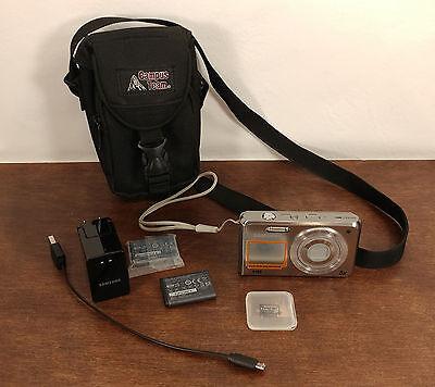 EUC Samsung DualView DV100 6.1 MP Compact Digital Camera - With Extras!