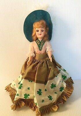 Vintage 1960 s Atlantic Richfield ARCO Doll of the World Eyes Close