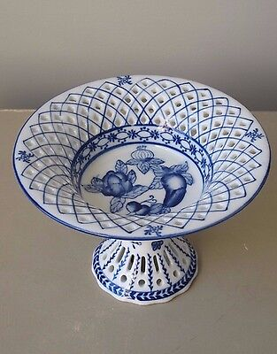 "Vintage Chinese Blue and White Reticulated Porcelain Compote Footed Bowl 7"" D"