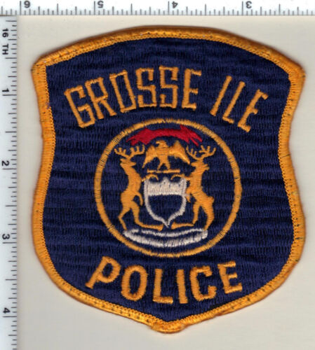 Grosse Ile Police (Michigan) Uniform Take-Off Shoulder Patch from 1992