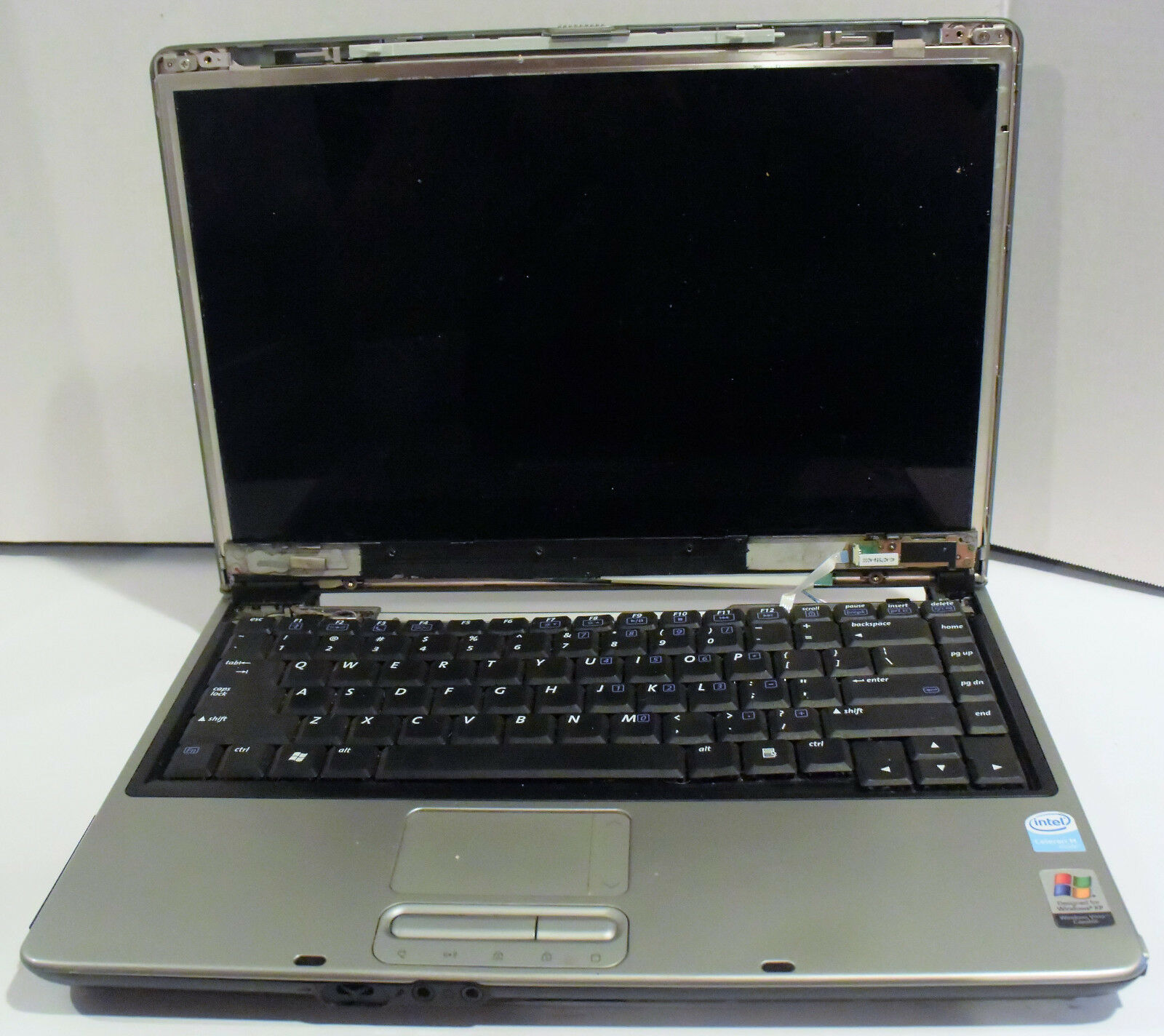 Gateway W323-UI1 14.1'' Notebook (Intel Celeron M) - Parts/Repair AS IS