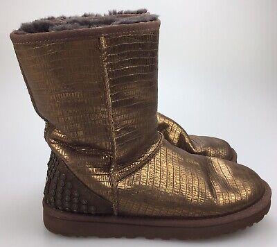 Occasion, Women's 7 38 UGG Australia Lizard Studs Gold Bronze Sheepskin Short Boots Warm d'occasion  Expédié en Belgium