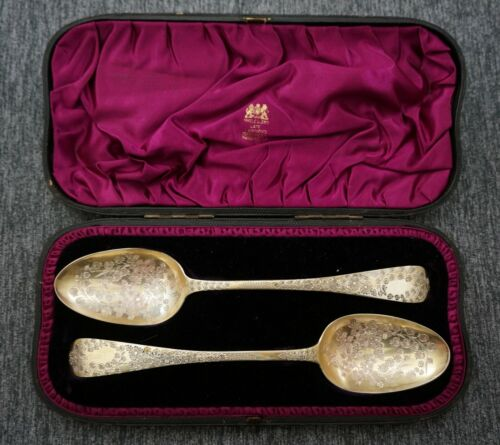 MARY CHAWNER London 1837 Sterling Vermeil BERRY SERVING SPOONS - Original Case