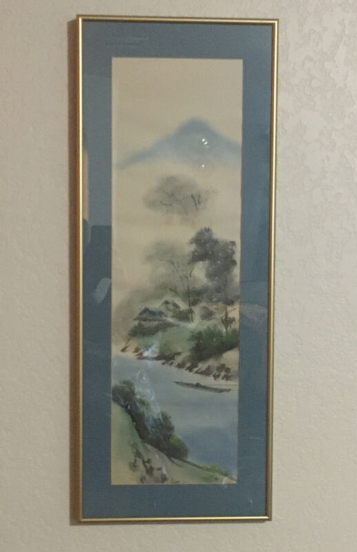 JAPANESE HANGING SCROLL HAND PAINTED ON SILK FINELY DETAILED