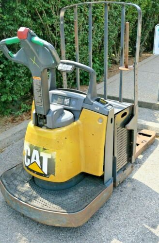 CAT Electric Pallet Jack Forklift (Pre-Owned) [LOCAL PICKUP ONLY]