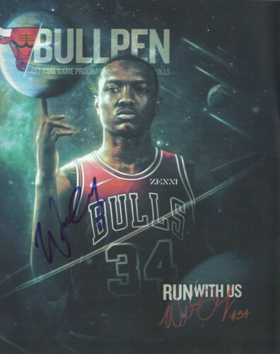 WENDELL CARTER signed (CHICAGO BULLS) Run With Us Official game program W/COA