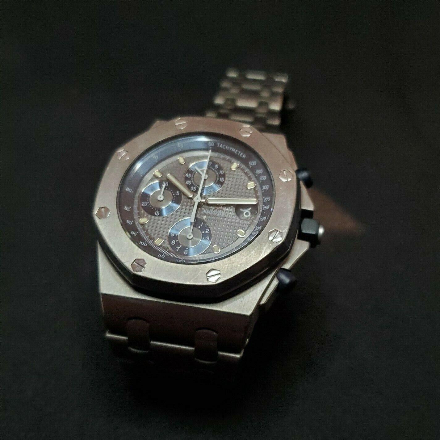 Audemars Piguet Royal Oak Offshore 25721TI i (Titanium/White Gold Case Screws) - watch picture 1