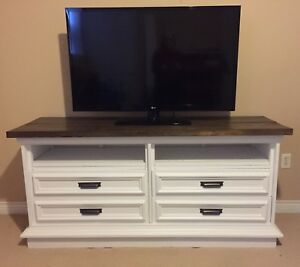 Solid tv console