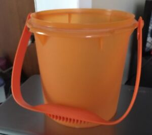 Tupperware Halloween Bucket with handle