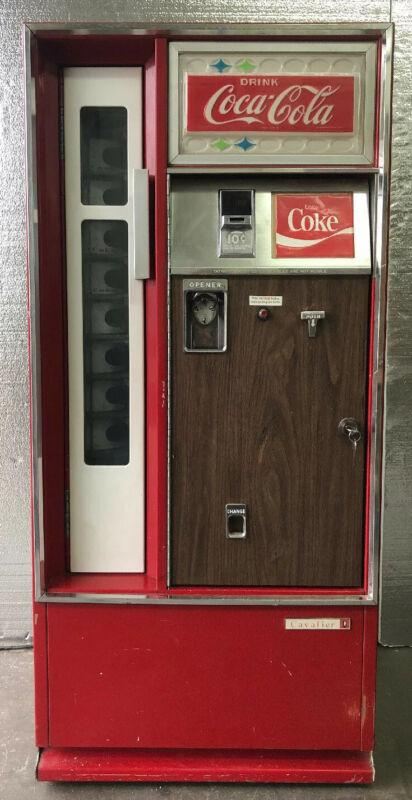 Vintage Cavalier CS-96 1960's Square Corner Coke, Coca-Cola Vending Machine