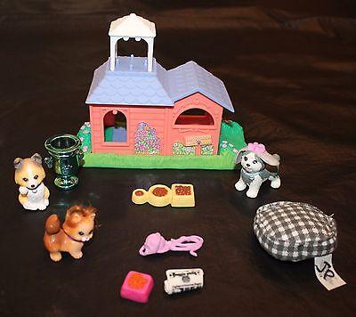 LPS Littlest Pet Shop House Dogs Cat Yarn Newspaper Bed Bowl Dish 1995 Vtg Lot