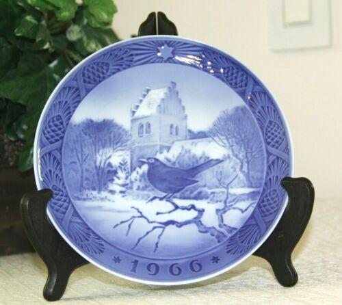 1966 Royal Copenhagen Christmas Plate 1st - Blackbird- Porcelain - Kai Lange