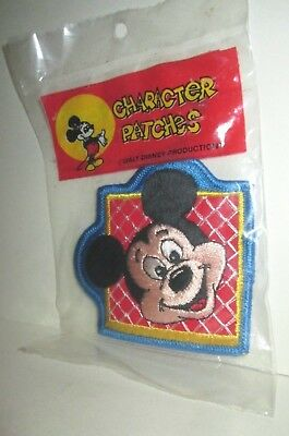 Disney Character Clothes (VINTAGE WALT DISNEY WORLD CHARACTER CLOTH PATCH MICKEY MOUSE MISP 1970'S)