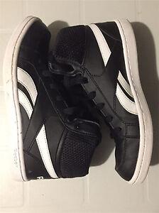 Reebok boys shoes size 6 or Ladies size 8 London Ontario image 1