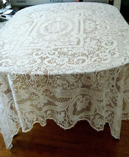 antique authentic tablecloth Quaker fine lace  #7720  label with  loops