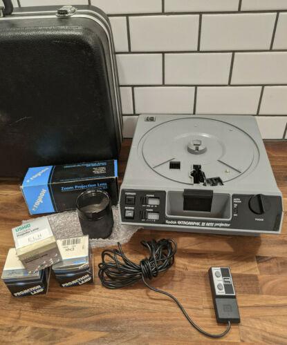 Kodak Ektagraphic III AMT Carousel Slide Projector w/ Lens, Lamps, Remote, Case