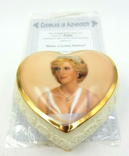 """VINTAGE PRINCESS DIANA HAND NUMBERED MUSIC BOX #A0051 """"THROUGH THE EYES OF LOVE"""""""