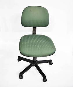 1 x Green Office Chair. $5 cash pick up. Pick up only. Lonsdale Morphett Vale Area Preview