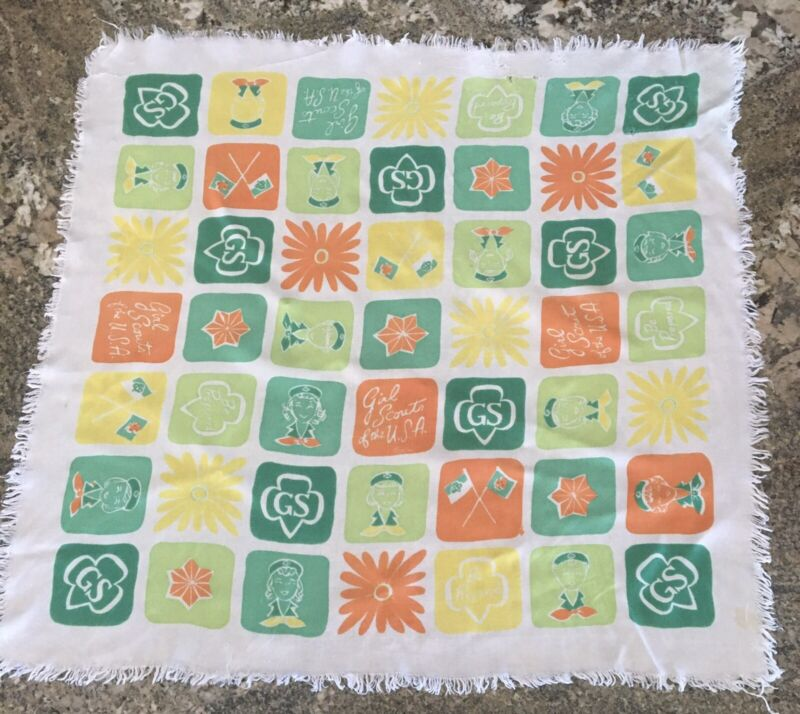 RARE 1961 VINTAGE GIRL SCOUT LARGE HEADSCARF NECK SCARF