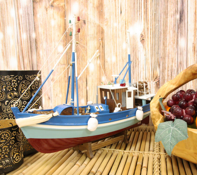 "17""L Wooden Handicraft Nautical Marine Maine Fishing Lobster Boat Ship Model"
