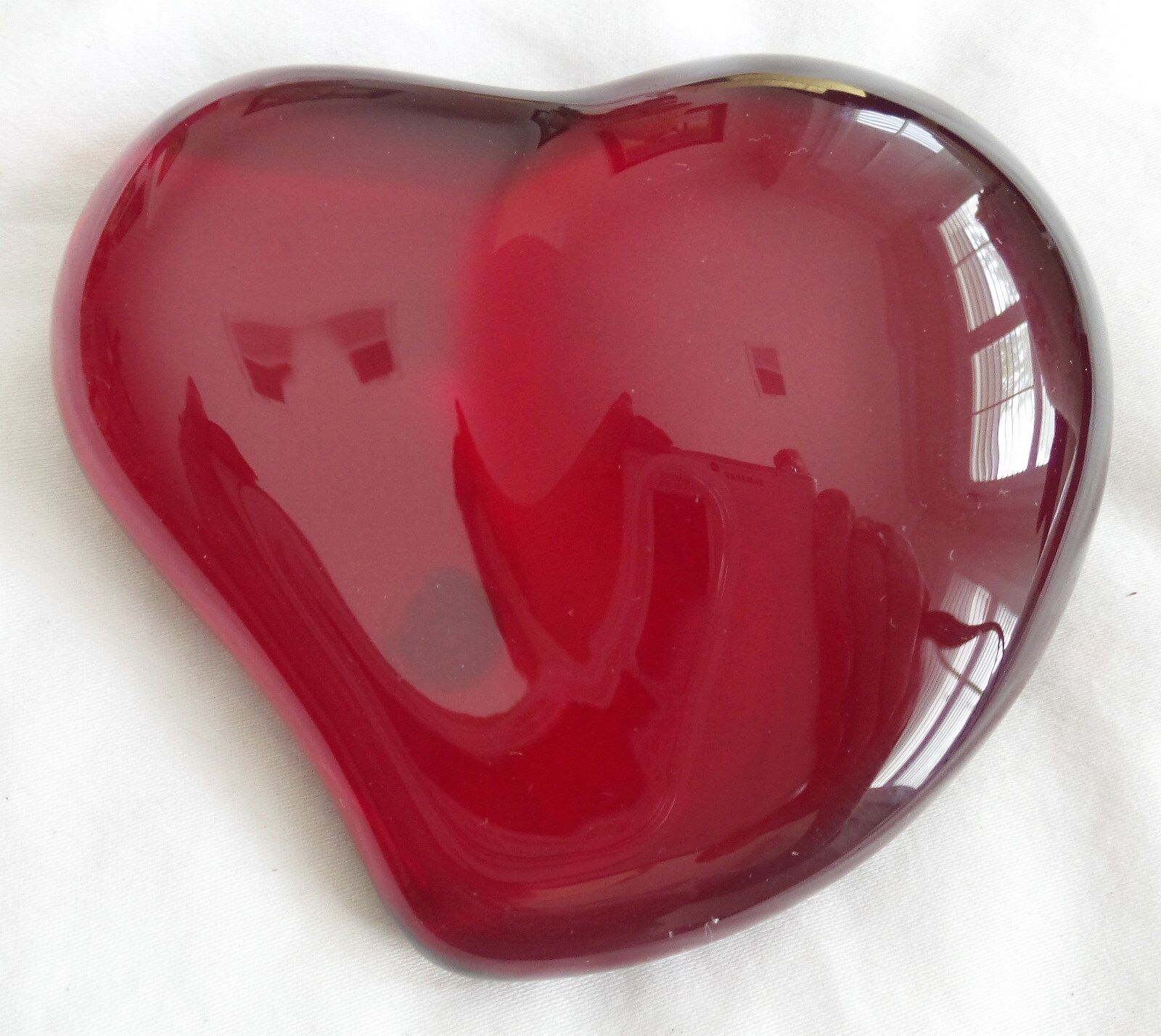 TIFFANY AND COMPANY RED CRYSTAL HEART PAPERWEIGHT SIGNED ELSA PERETTI ITALY