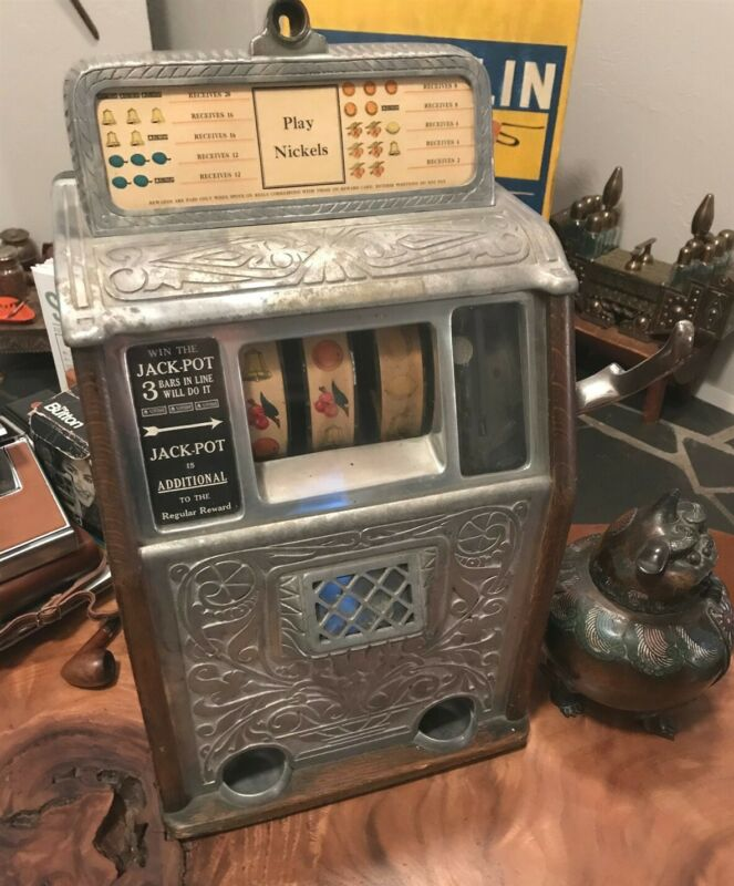 1928 SUPERIOR CAILLE COMPANY VINTAGE NICKEL SLOT MACHINE WITH KEY VERY RARE