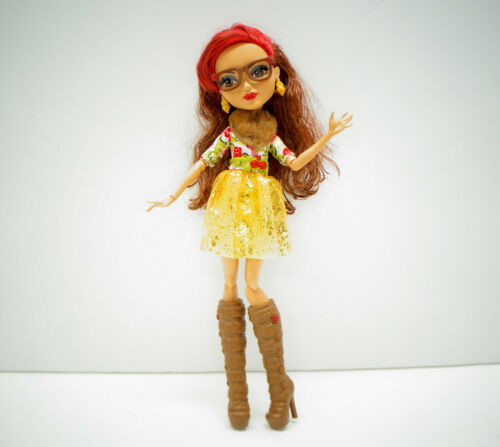 Ever After High ROSABELLA BEAUTY Doll Glasses Boots Mattel