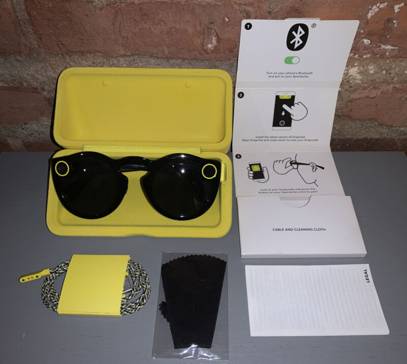 Snap Inc. Snapchat Spectacles Glasses - VERY Lightly Used - Black