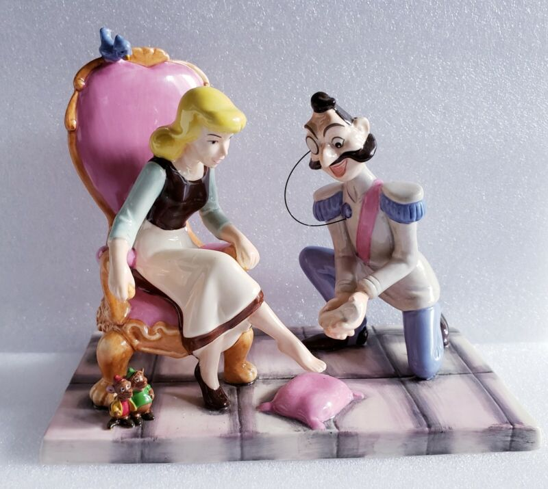 Rare Disney Showcase Cinderella It