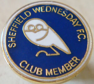 SHEFFIELD-WEDNESDAY-SUPPORTERS-CLUB-MEMBER-Badge-Stud-fitting-Gilt-19mm-x-19mm