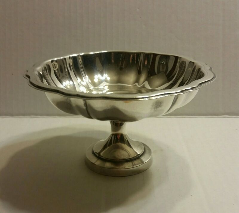 """Vintage Oneida Silver Plated Candy/Nut Dish Bowl Compote 3-1/8"""" Tall x 5.5"""" Wide"""