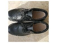 Mens Dr Martens Airwair Safety Shoes in Black size 10