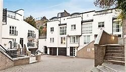 Fabulous Ground Floor Studio Situated Within Gated Complex