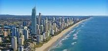 Hi, nice room for rent,near shopping ,bus stops and beach Bundall Gold Coast City Preview