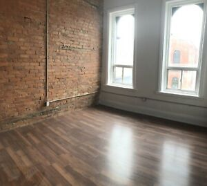 2 bedroom apartments on King St E