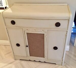 Vintage sideboard buffet server hutch buffet