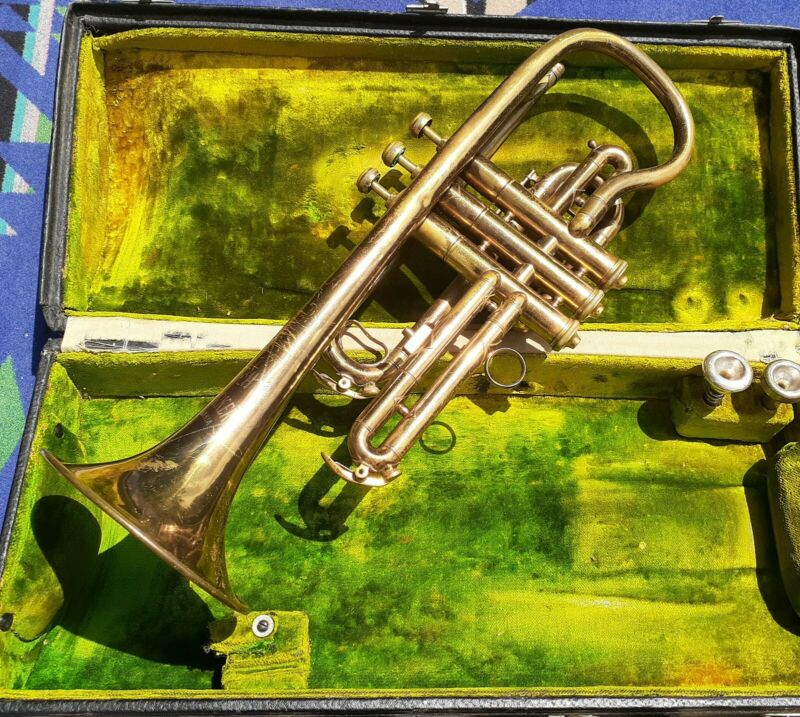 Antique Gretsch Cornet Trumpet New Yorker Czechoslovakia w case  +2 MOUTHPIECES