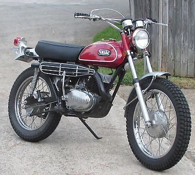 1970 yamaha dt1b 250cc enduro red white near museum quality used yamaha other for sale in. Black Bedroom Furniture Sets. Home Design Ideas
