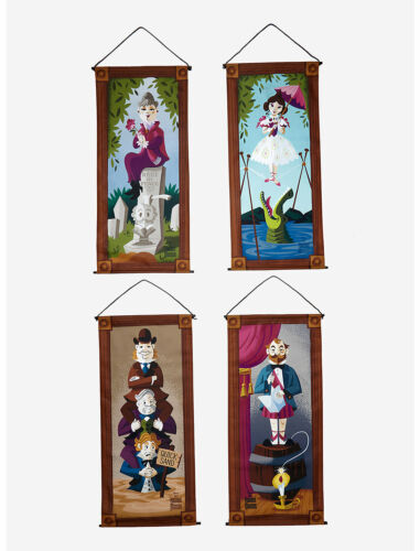 Disneys Haunted Mansion Stretching Room Banners Set, NEW