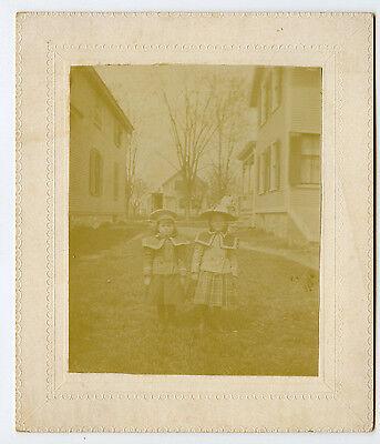 Vintage Schrank Karte 2 Fashinable Junge Mädchen Hüte Kleider Viktorianische