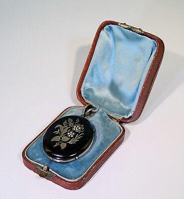 Biedermeier Medaillon mit Onyx im originalen Leder Etui, 14 Kt Gold