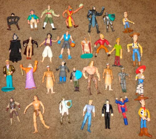 MIXED LOT 31 VINTAGE OLD PLASTIC TOY FIGURINES DISNEY TOY STORY SHAGGY KENNER ++