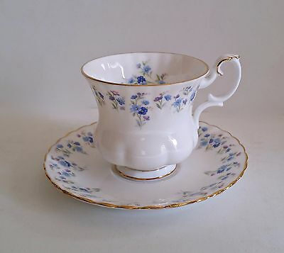"Royal Albert  TEA CUP AND SAUCER DEMITASSE TEACUP ""MEMORY LANE"" England Gold"