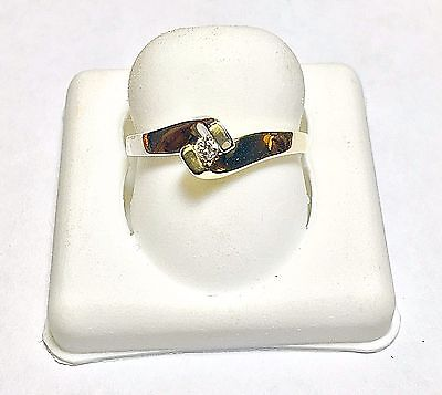 LADIES 10K WHITE AND YELLOW GOLD SOLITAIRE ENGAGEMENT RING