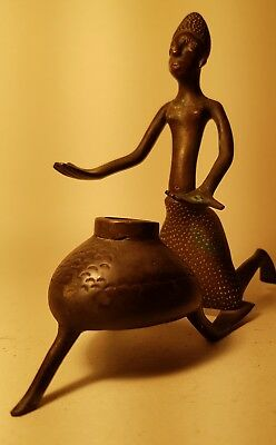 OLD AFRICAN BRONZE FIGURE - WOMAN WITH COOKING POT