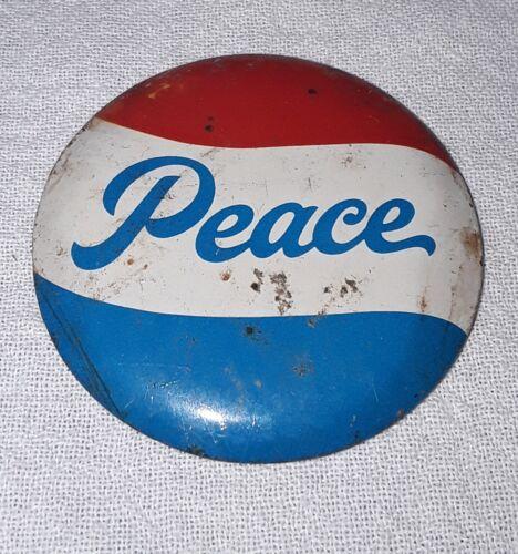 VINTAGE ANTI VIETNAM WAR PEACE PINBACK PIN