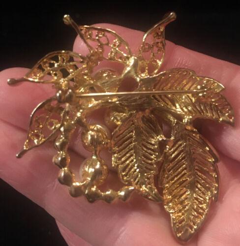 Vintage PIN BROOCH Goldtone Gold Leaf Leaves Filigree Pearls Crystals - $15.50