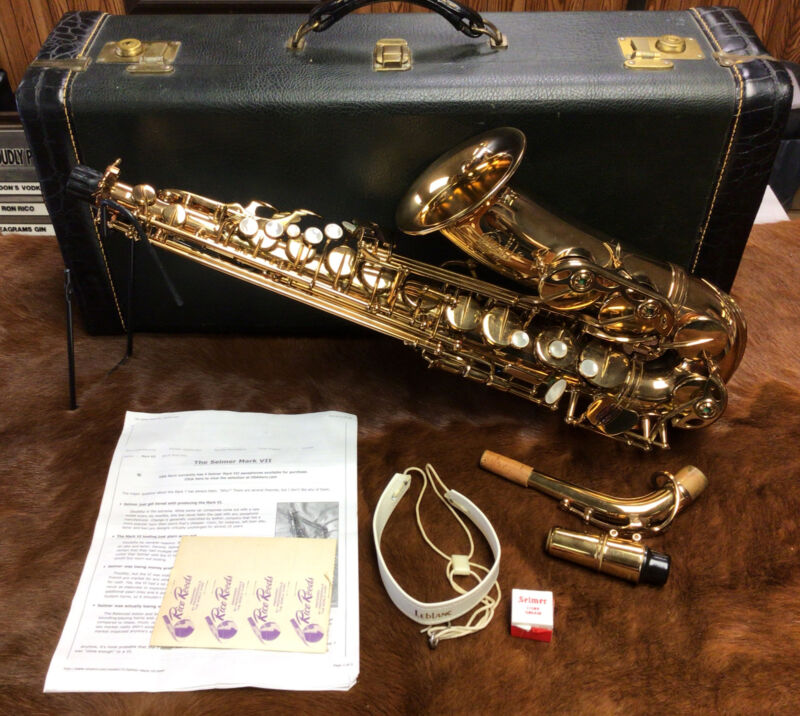 Henry SELMER MARK VII Alto Saxophone w/ Case Mouthpiece Reeds Great Shape Used