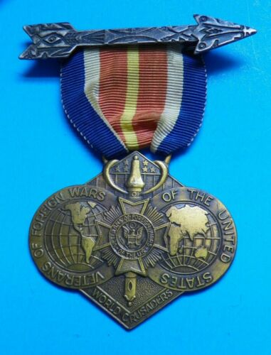 VINTAGE VETERANS OF FOREIGN WARS OF THE UNITED STATES WORLD CRUSADERS MEDAL