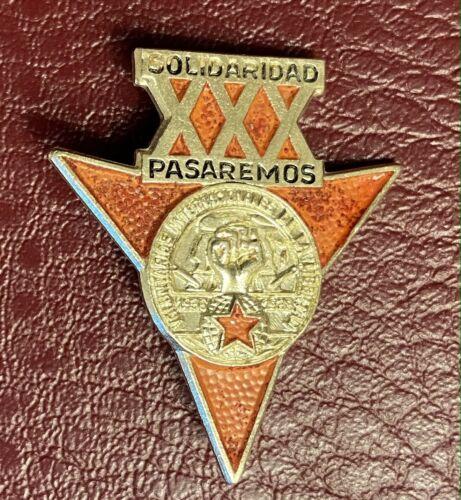 Germany Spain Civil War 1936-1938 badge pin lapel DDR Solidarity Pasaremos 1968